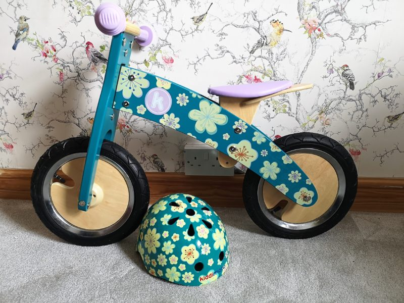 Kiddimoto Kurve Balance Bike and helmet