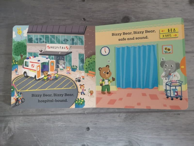 Bizzy Bear Ambulance Rescue by Benji Davies