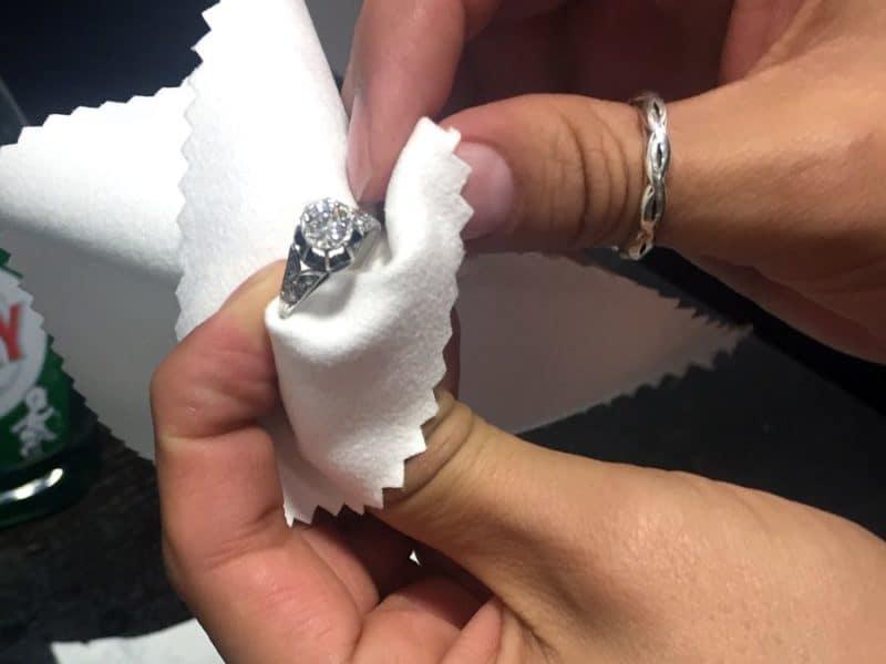 diamond-cleaning