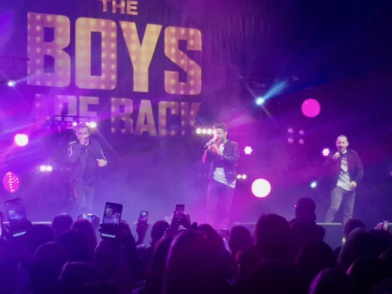 911 at The Boys Are Back Tour