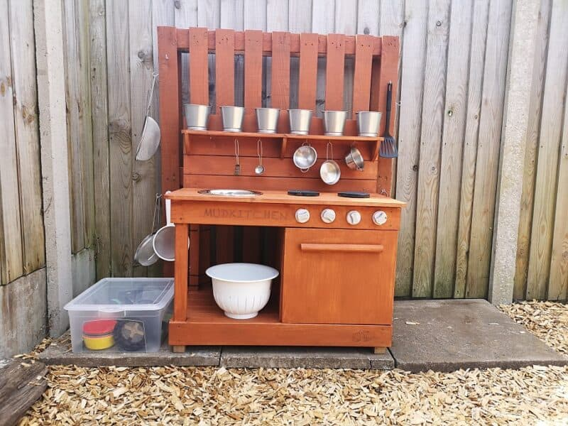 Mud kitchen make over