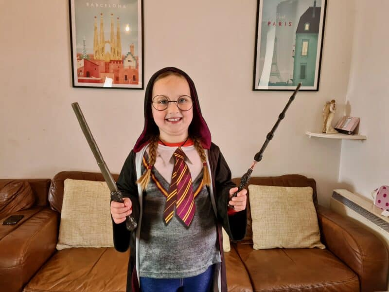 Harry Potter robe and wands