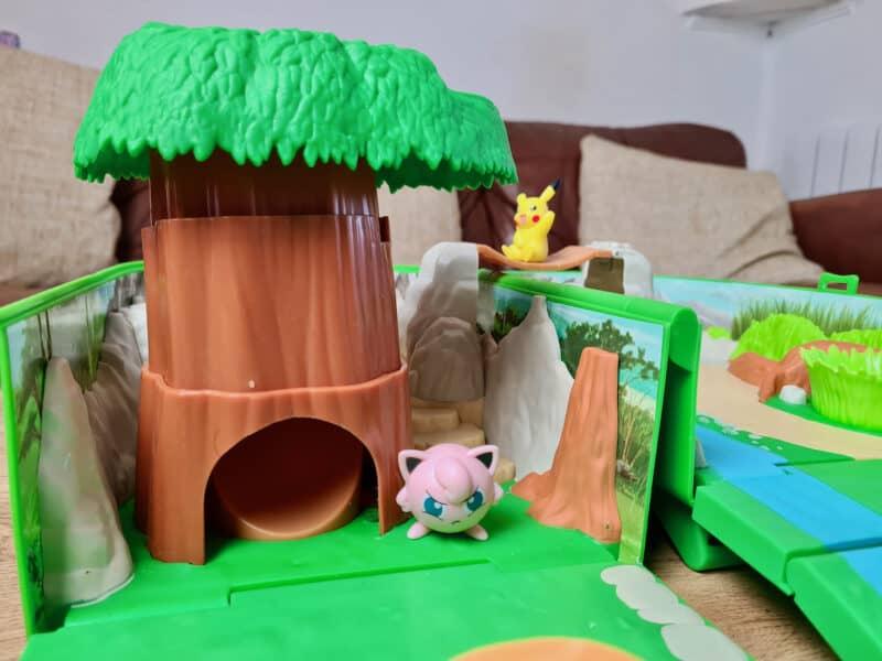 Pokémon Carry Case Playset tree