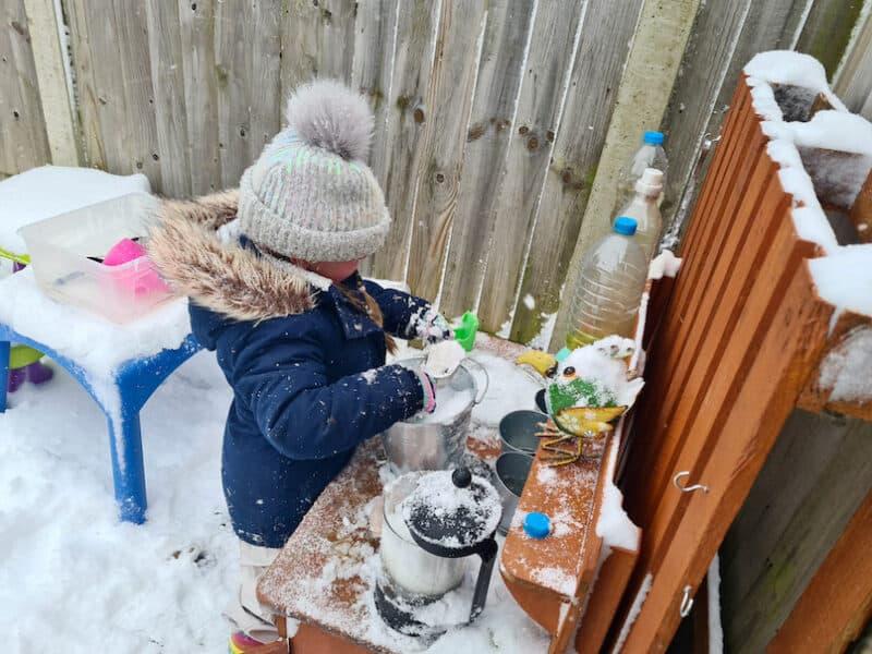 Mud kitchen in the snow