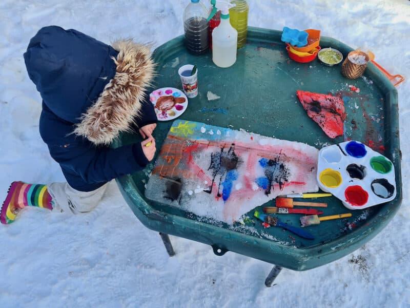 Snow paint Tuff Tray