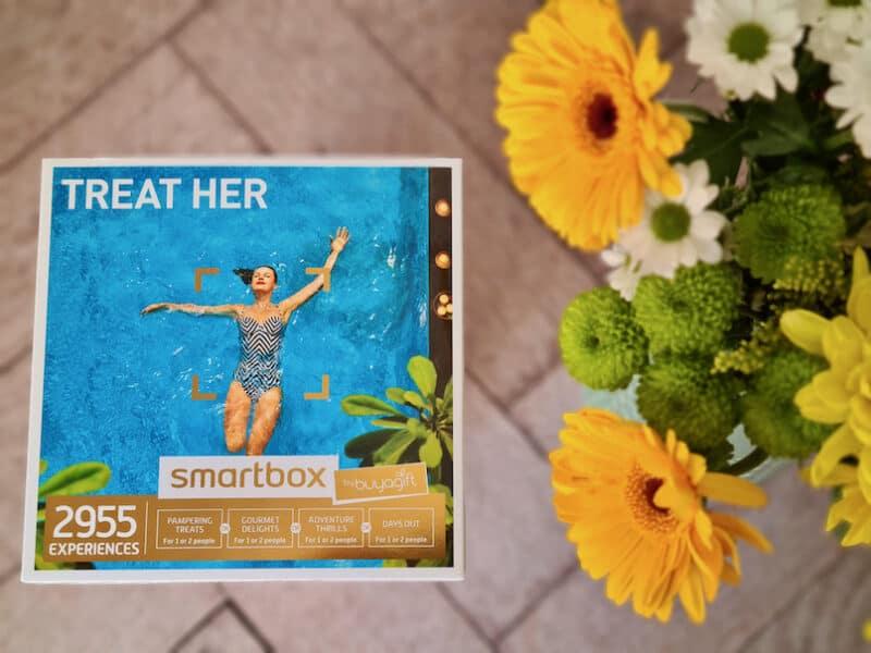 buyagift Treat Her smartbox
