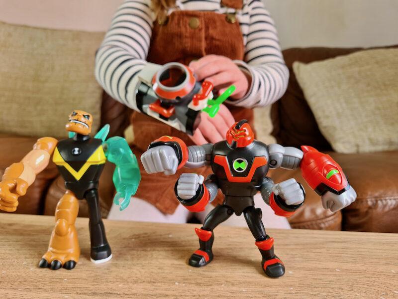 Ben 10 figures and Omnitrix 1