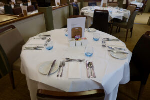 Garden restaurant table 16