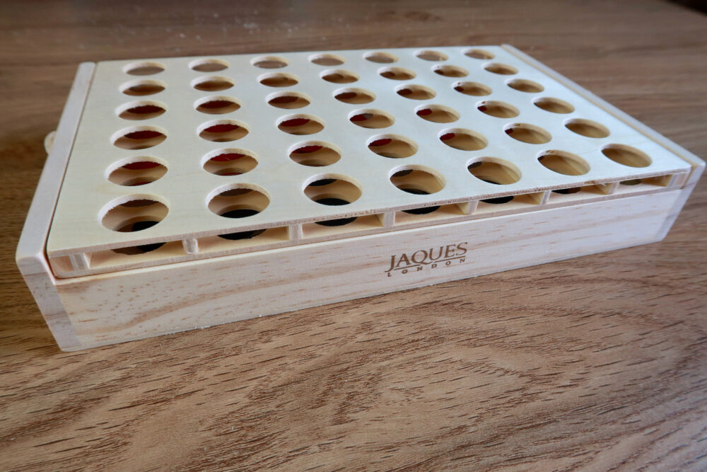 Jaques of London Score Four closed board
