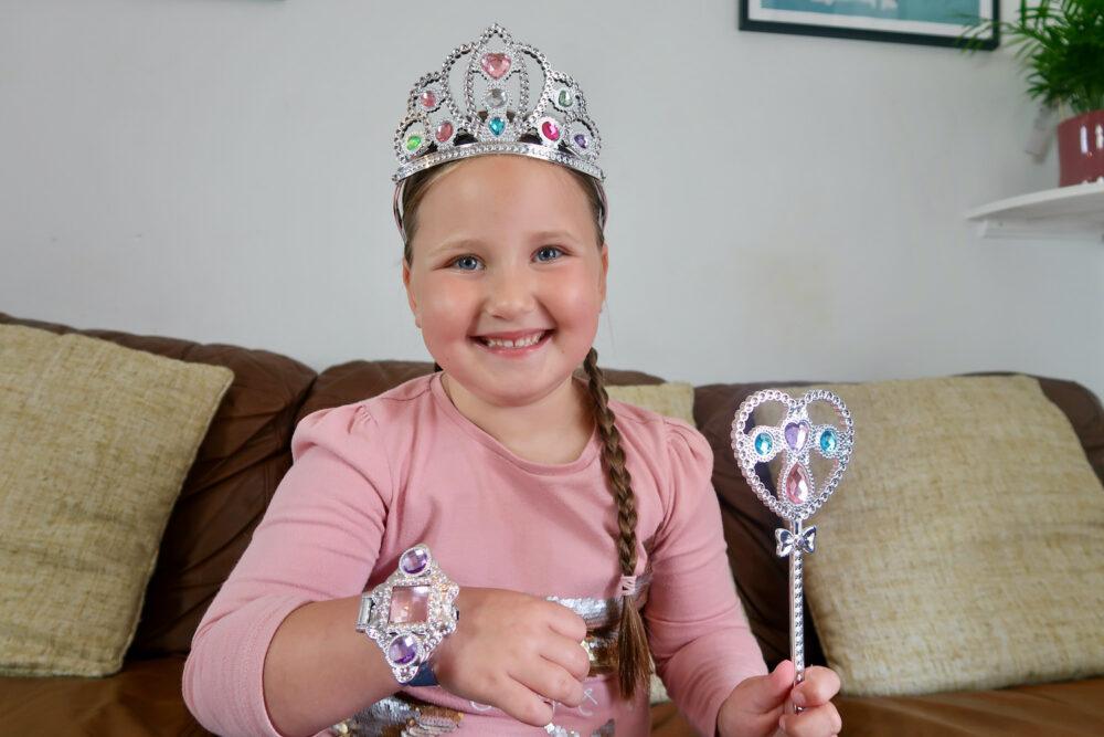 Jewel Secrets Princess Glam Set Erin with jewellery