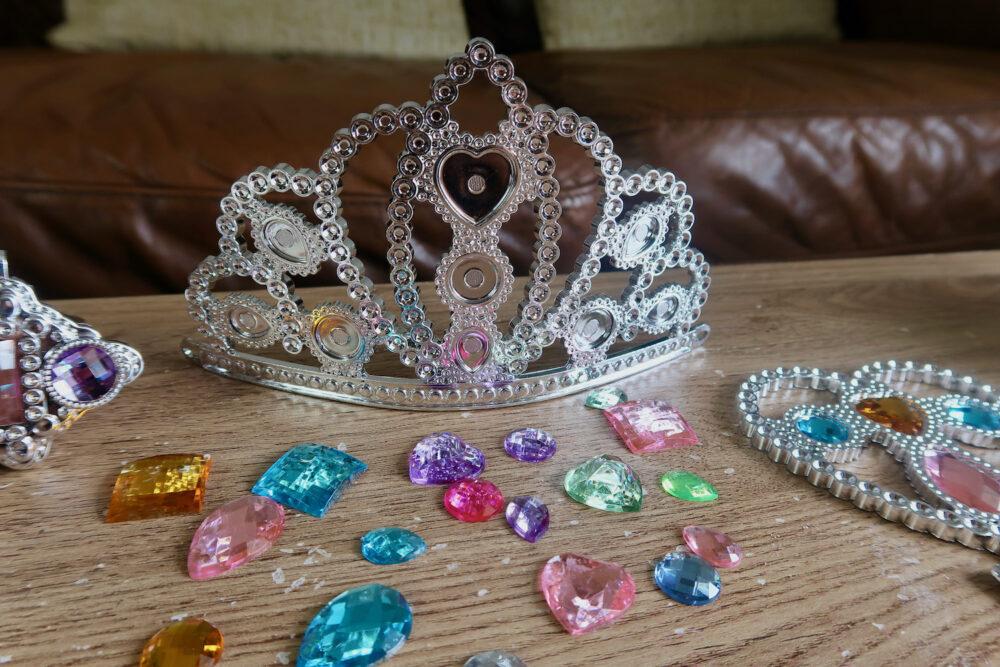 Jewel Secrets Princess Glam Set crown and gems