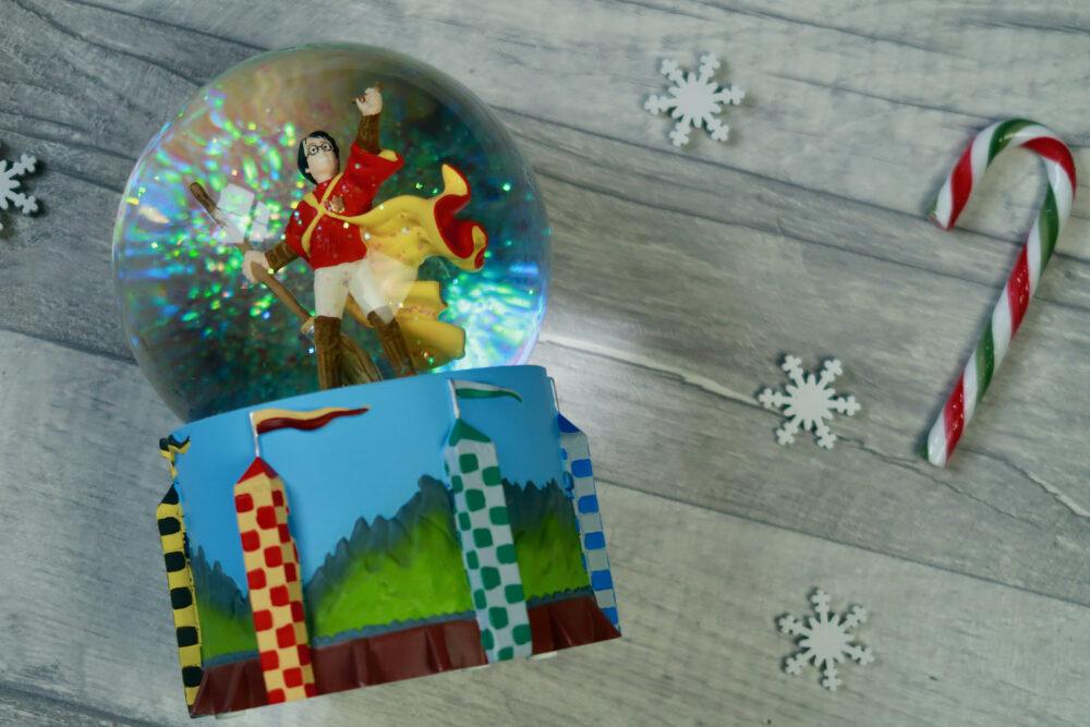 Harry Potter Quiddich snow globe