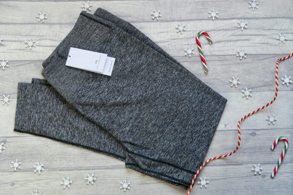 and their plus size cropped jeggings.