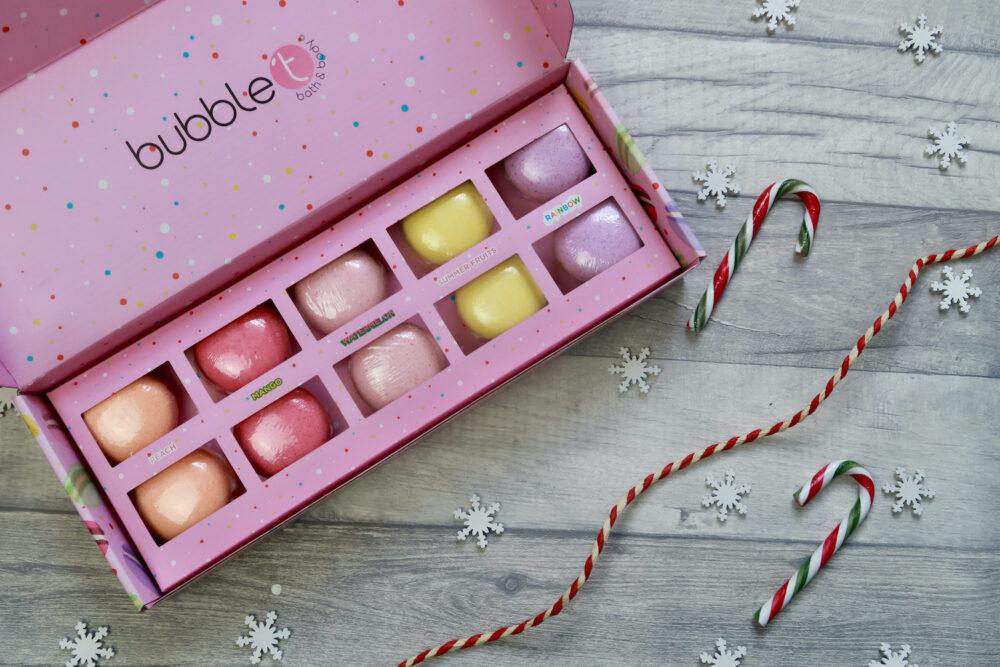 Mini macaron bath bomb fizzer gift set from Holly & Ollie