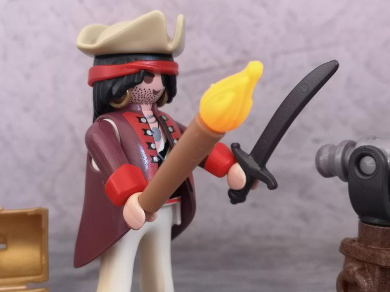 Playmobil pirate Easter egg